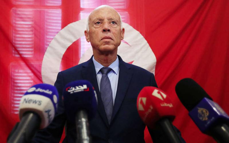 Politique et Covid: Tunis s'enfonce dans la crise