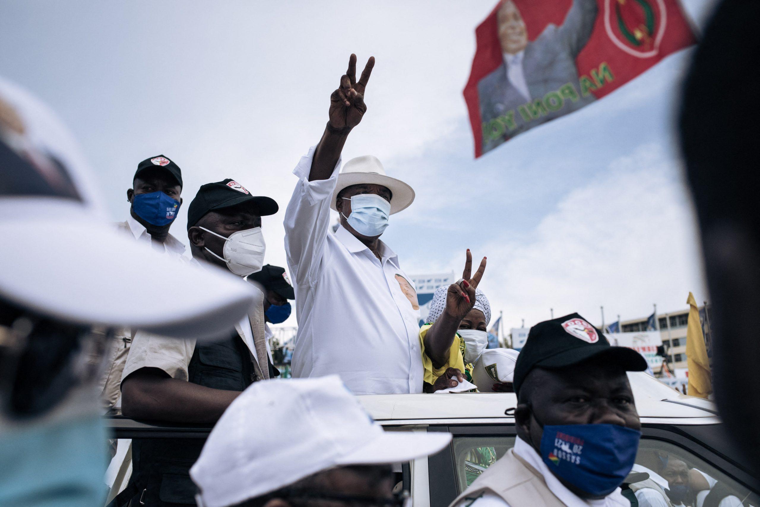 Denis Sassou-Nguesso en communion avec ses partisans