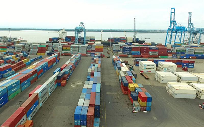 Bolloré et Maersk réclament 3,9 milliards au port de Douala