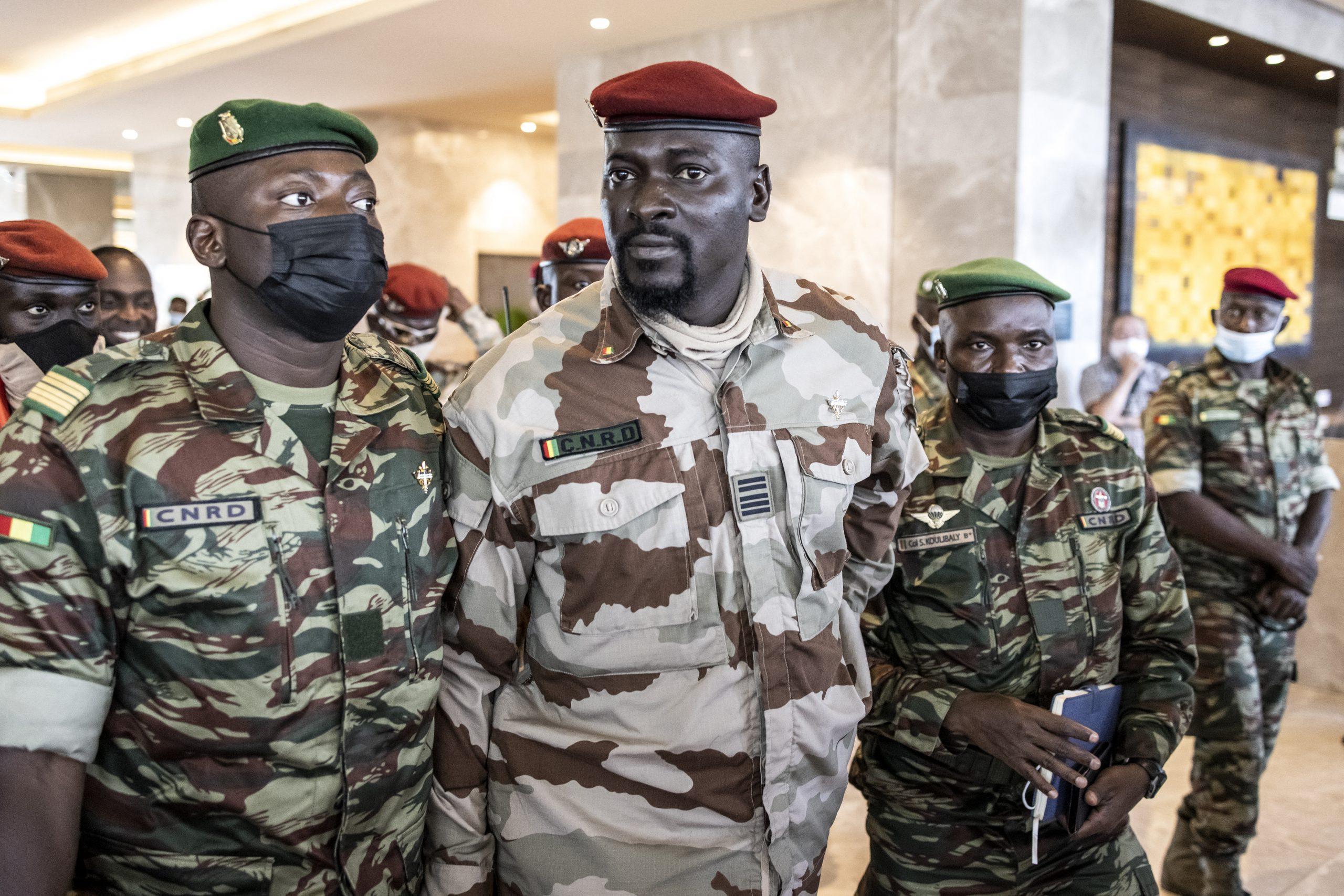 Guinée : Doumbouya caporalise l'armée et le pays